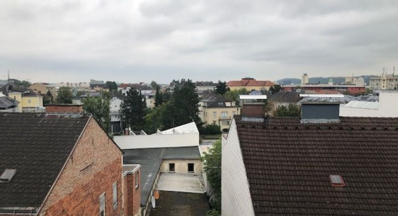 VERMIETET  -  KLEINERE MIETWOHNUNG MIT DACHTERRASSE - WELS ZENTRUM